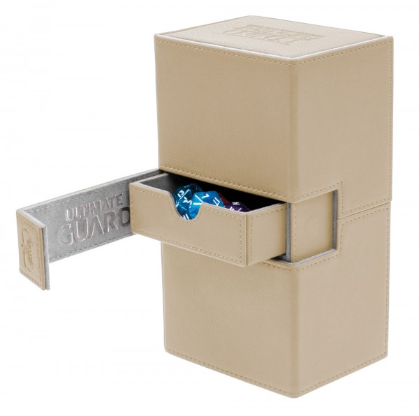 Luxuriöse Kartenbox mit Magnet-Verschluss, innovativer XenoSkin™-Oberfläche und Karten- und Zubehörfächern für den Schutz und die archivierungssichere Aufbewahrung von bis zu 160 Karten der Standardgröße (z.B. Magic the Gathering™, Pokemon™, usw.) in zwei
